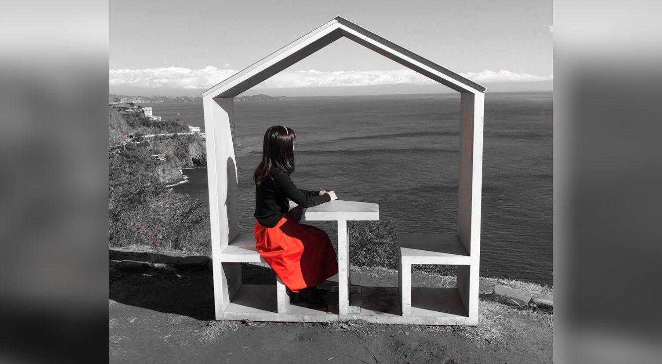 PicsArtの「カラースプラッシュ」を使って、モノクロの世界に色を♥