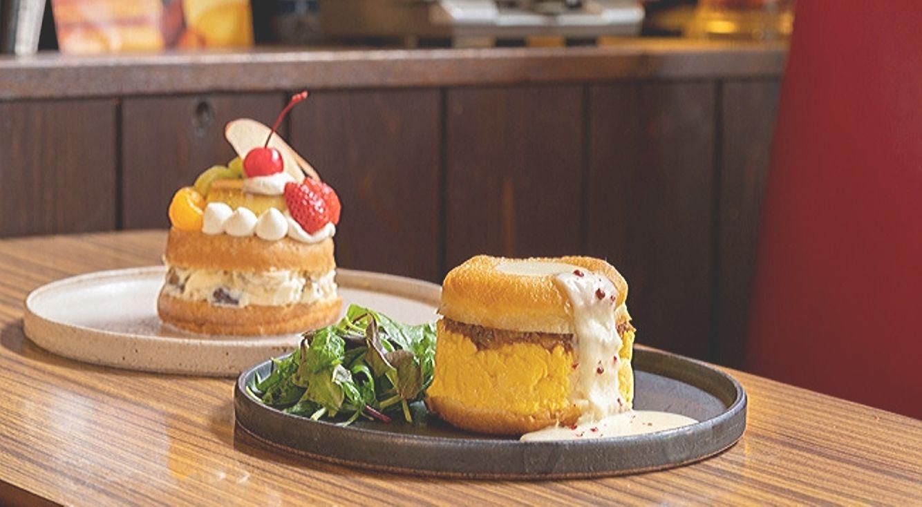 『koe donuts kyoto(コエ ドーナツ キョウト)』が『喫茶マドラグ』とコラボ。新感覚ドーナツをナイフとフォークで召し上がれ♡
