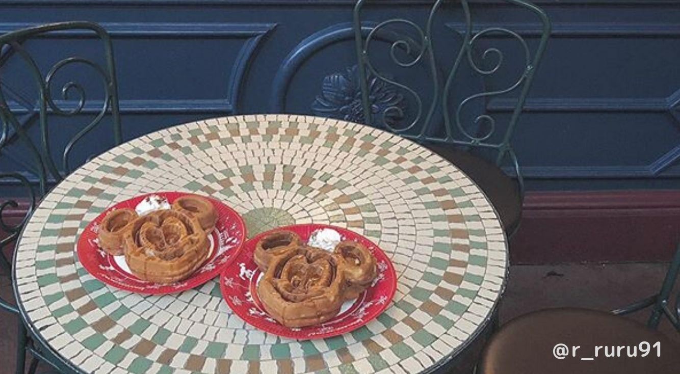 ミッキーのお顔のワッフル♡ディズニーランドにいったら絶対外せない、さくさくふわふわのミッキーワッフルはもう食べた?
