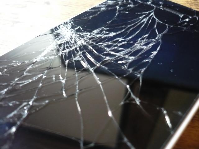 iPhone 画面破損