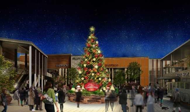 南町田グランベリーパークに、高さ8mの大迫力クリスマスツリーと巨大リスのグリーンオブジェが登場!