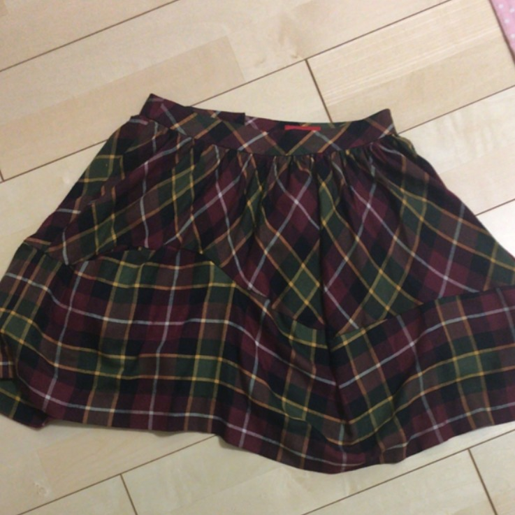 メルカリNOWで査定を試したビビアンのスカート