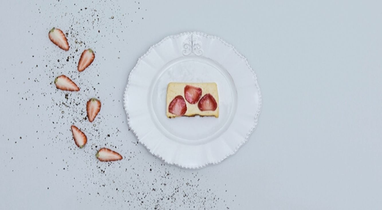 HACARIが「旅するシェフ」こと山﨑真人氏を迎え、期間限定チーズケーキを発売!