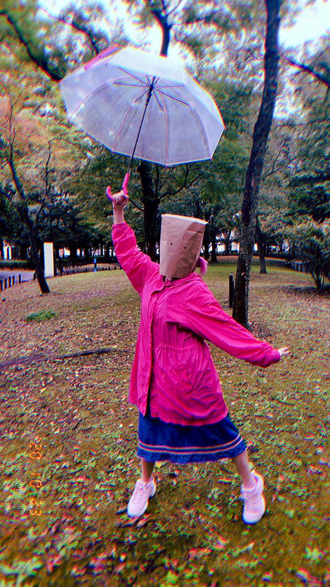 今年のハロウィンは「紙袋おばけ」でエモい写真を撮ろう!TikTokを中心に大流行中!やり方やおすすめの加工方法を紹介