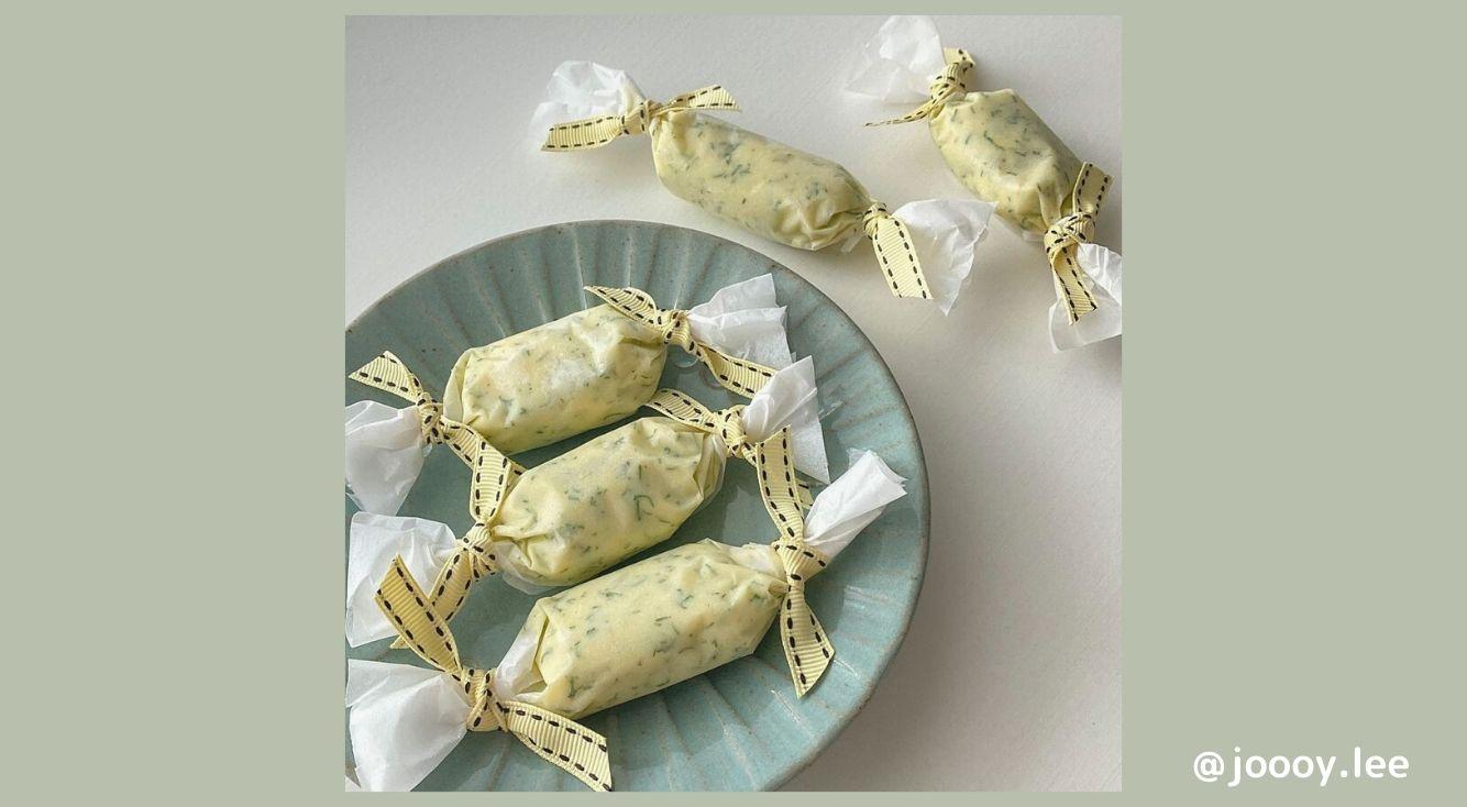 TikTokで話題沸騰中!「バニラバター」の作り方や味などを詳しくご紹介◎韓国で人気の「レモンディルバター」も!