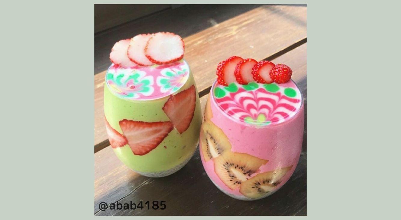 江ノ島カフェ「#imore(アイモア) 」のカラフルなスムージーアートが話題!気になる値段は?
