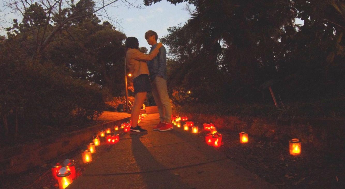 江の島サムエル・コッキング苑の『湘南キャンドル』が開催中!あたたかいキャンドルの光に包まれて、彼との距離も縮むかも♥