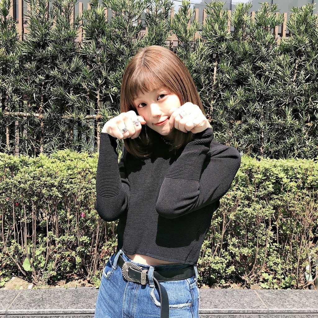 Korean-pose