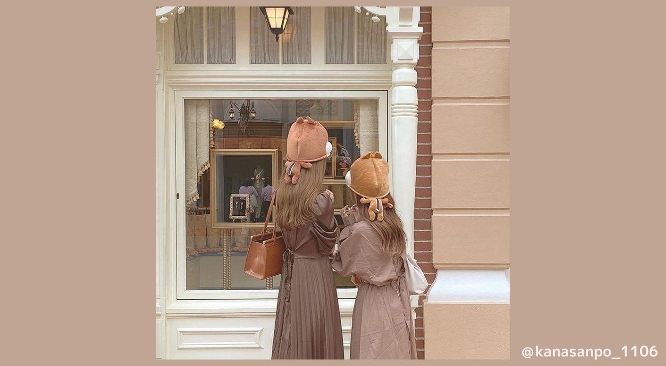 秋にしたいディズニーコーデを紹介!ブラウン系アイテムやファンキャップを使ったコーデがおすすめ!