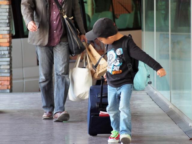 子どもの一人旅イメージ