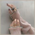 アクリルリングでみずみずしい手元に♡個性溢れる華やかな手元にしよう◎