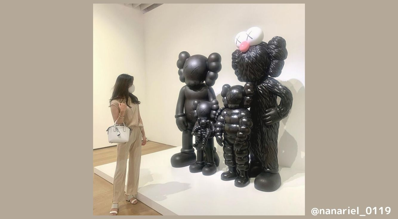 「KAWS展」が今話題!個性的な展示物と一緒にかわいい写真を撮ろう◎♡