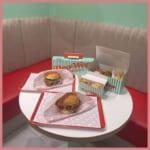 アメリカンなチキンバーガー専門店が代官山に登場!「DooWop(ドゥーワップ) 代官山店」のフォトジェニックすぎる空間にあなたも虜♡